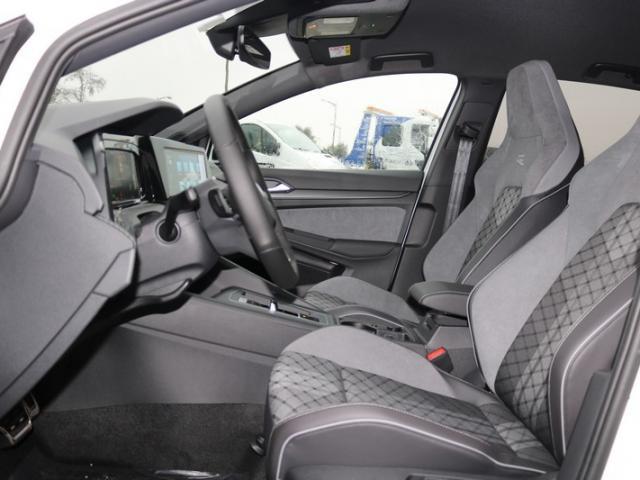 Volkswagen Golf 2.0 TDI SCR 150 DSG7 R-Line 1st